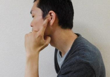 耳門の指圧